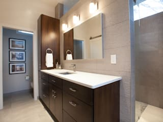 Master Bathroom Remodel Modern bathroom by RedBird ReDesign Modern