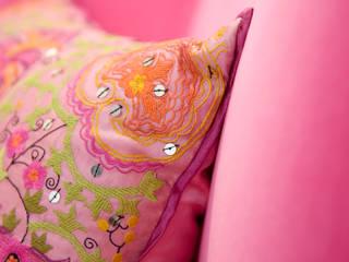 matériaux dans la chambre enfant: Salon de style  par BE-DESIGNER