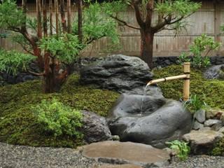 蹲: 作庭処 植徳が手掛けた庭です。