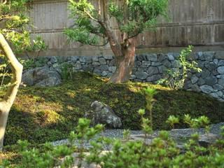 石垣: 作庭処 植徳が手掛けた庭です。