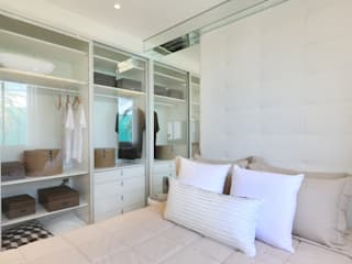 homify Minimalist style dressing rooms