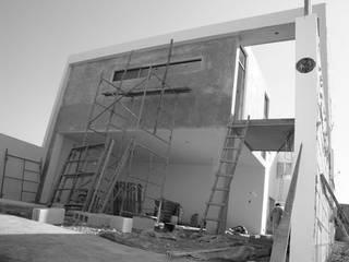 Base cubica Arquitectos Moderne Häuser