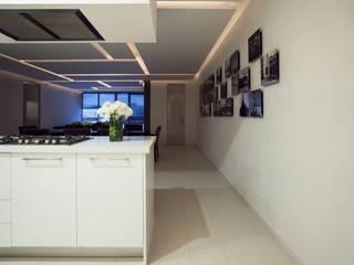 DEPARTAMENTO EN PARQUES POLANCO, CDMX Pasillos, vestíbulos y escaleras modernos de HO arquitectura de interiores Moderno