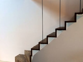 Pasillos, vestíbulos y escaleras industriales de Tijmen Bos Architecten Industrial