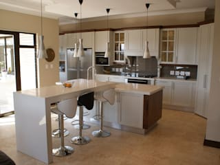 Modern kitchen by Life Design Modern