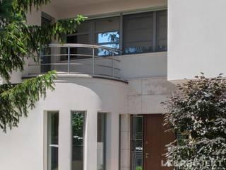 LK&907 - zdjęcia z realizacji: styl , w kategorii Okna zaprojektowany przez LK & Projekt Sp. z o.o.,