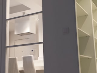 Reforma de apartamento de 48m2 Dormitorios de estilo moderno de X52 Interiorismo Moderno