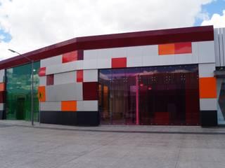 Outlet San Martin Casas modernas de Studio Glass Moderno