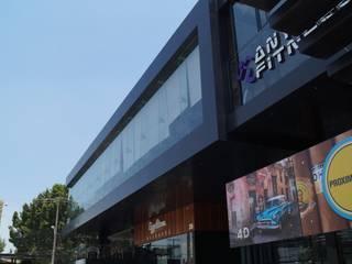 Plaza Crystal Blvd. Campestre Casas modernas de Studio Glass Moderno