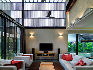 Kampung Tunku House - Sustainable & Budget Friendly Design MJ Kanny Architect Living room