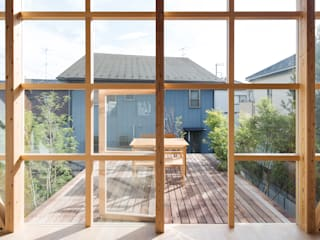 Eclectic style balcony, porch & terrace by 山路哲生建築設計事務所 Eclectic
