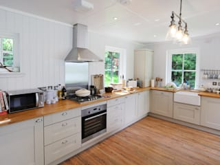 Two Bedroom Bespoke Wee House Cuisine rurale par The Wee House Company Rural