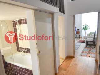 Apartment Vicolo delle Grotte Studio Fori Corridor, hallway & stairsAccessories & decoration Wood Wood effect