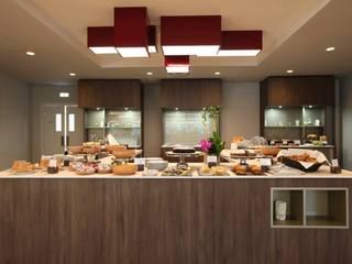 Hilton Doubletree Yeveran Bares e clubes clássicos por M.M. Lampadari Clássico