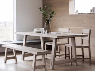 Dining Tables: rustic  by Modish Living, Rustic