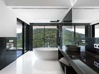 Bathroom by Bornelo Interior Design