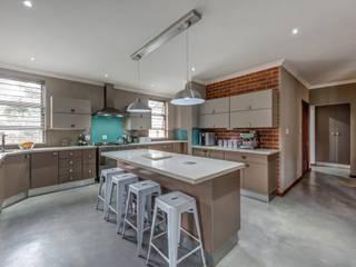 Küche von OLIVEHILL Architects