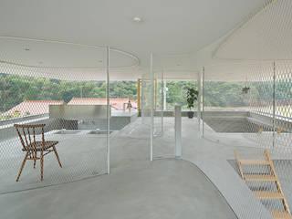 hiroshima hut 透明アクリルのスケルトンハウス: アトリエトートが手掛けた和室です。