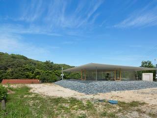 hiroshima hut 透明アクリルのスケルトンハウス: アトリエトートが手掛けた家です。