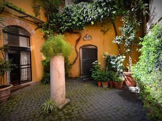 Mediterranean style garden by Studio Fori Mediterranean
