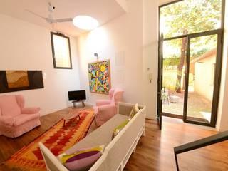 modern  by Studio Fori, Modern