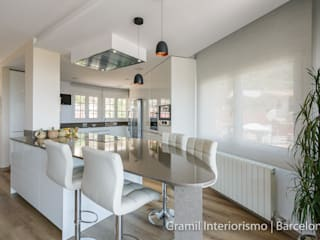 Modern kitchen by Gramil Interiorismo II - Decoradores y diseñadores de interiores Modern
