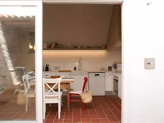 Brick Serveis d'Interiorisme S.L. Kitchen