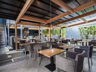 The Banc - Shisha Garden Bares y clubs de estilo moderno de IS AND REN STUDIOS LTD Moderno
