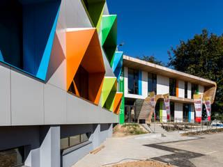 Extension de bureaux Espaces de bureaux modernes par helium3 positive architecture Moderne