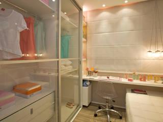 Dormitorios infantiles de estilo  de homify, Moderno