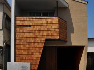 二世帯の住まい モダンな 家 の 有限会社 室設計事務所 モダン