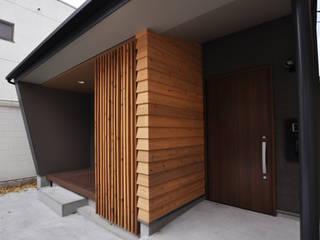 狭小地うなぎのねどこ モダンな 家 の 有限会社 室設計事務所 モダン