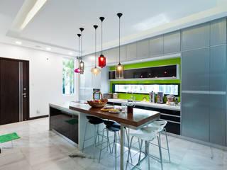 Kitchen by Design Spirits, Modern