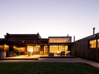 Modern houses by SUN Arquitectos Modern