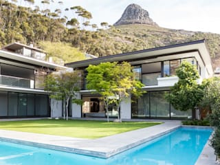 Avenue Fresnaye Villa:  Houses by Jenny Mills Architects