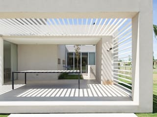 CASA ML: Jardines de estilo moderno por DMS Arquitectura