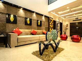 Villa Interior :  Living room by Maulik Vyas Architects