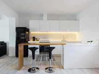 Cocinas minimalistas de ISLABAU constructora Minimalista