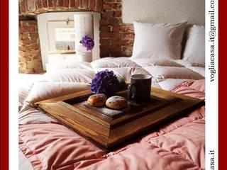COPERTINA VOGLIACASA.IT: Camera da letto in stile in stile Moderno di VOGLIACASA.IT
