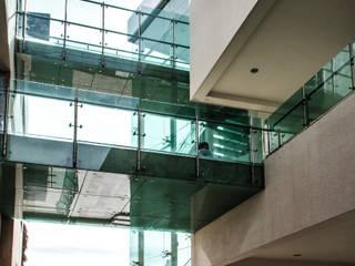 DOCUMENTACION VIDRIOS / ING.HUMBERTO:  de estilo  por Oscar Hernández - Fotografía de Arquitectura