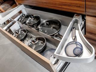 Modern kitchen by 2M Arquitectura Modern