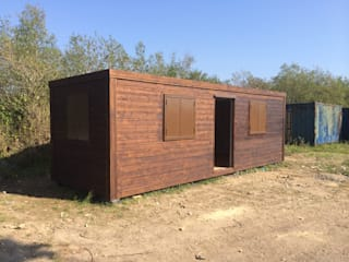 SECOND HAND GARDEN UNIT Country style garden by JC PORTABLE SITE ACCOMMODATION LTD Country