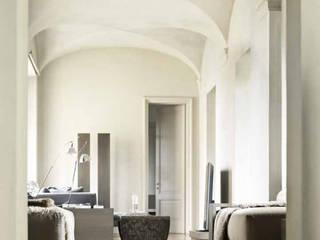 Гостиная в стиле модерн от Architetto Silvia Giacobazzi Модерн