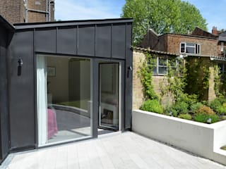 South Hill Park: modern Houses by Belsize Architects