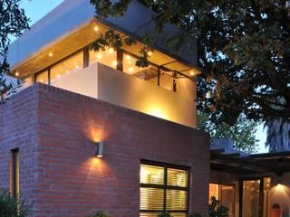 The Oak Tree Studio, Bloemfontein:  Houses by Reinier Brönn Architects & Associates