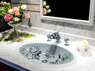 SLAVIA CRYSTAL ROSANNA FR Decor WB009: SLAVIA  CRYSTALが手掛けた浴室です。,オリジナル