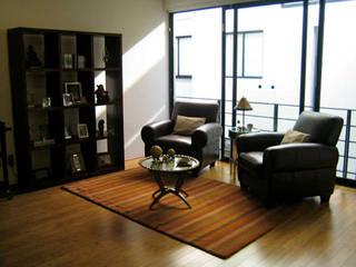 Livings de estilo  por Erika Winters Design