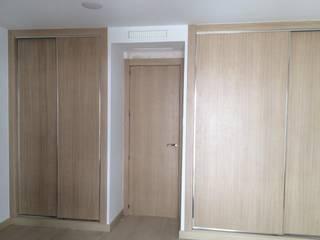 Modern style bedroom by Puertas Madegar Modern