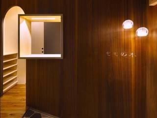 6th studio / 一級建築士事務所 スタジオロク Clínicas modernas Madeira