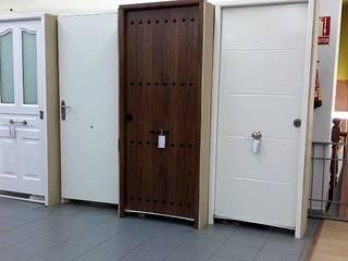 Nuestros productos Puertas y ventanas de estilo rural de Puertas Calvente SL Rural